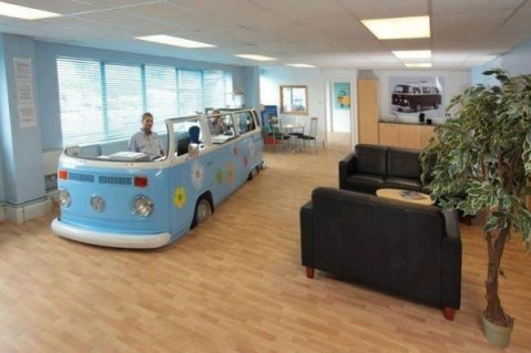 xvolkswagen-van-converted-office-600x400.jpg.pagespeed.ic.CmakWXm_pb