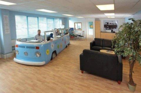 xvolkswagen-van-converted-office-600x400.jpg.pagespeed.ic.CmakWXm_pb